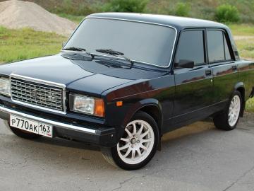 ВАЗ-2107 Объем бака, багажника Грузоподъемность Расход топлива